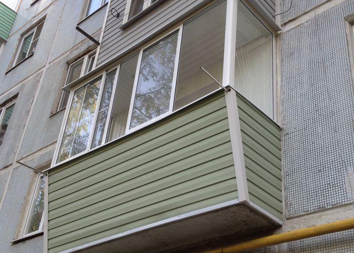 Недорогое выносное остекление балкона в москве.